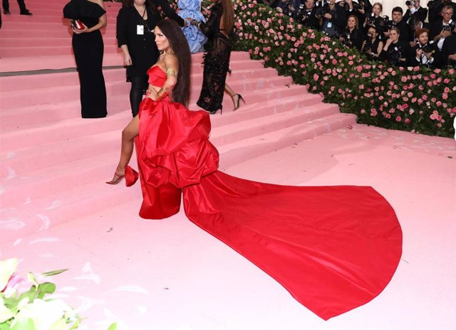 May 6, 2019 - New York, New York, United States: Halsey attends the 2019 Met Gala Celebrating Camp.
