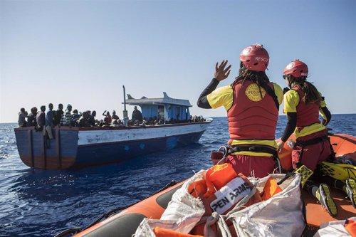Rescate de migrantes en el Mediterráneo por Proactiva