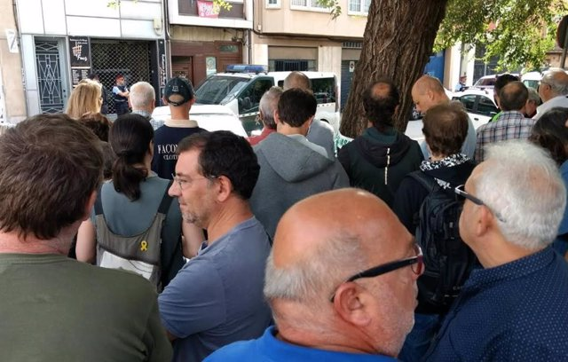 La concentració davant l'operatiu de la Gurdia Civil