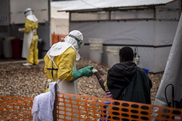 RDCongo.- MSF critica a la OMS por su respuesta al brote de ébola en RDC y pide