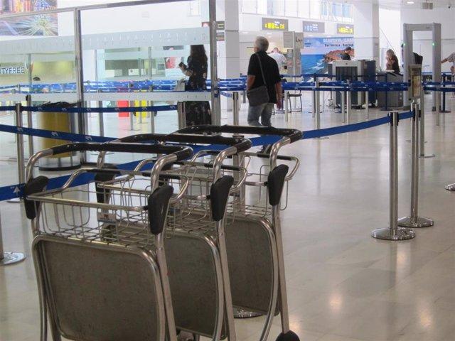 Zona de embarque del Aeropuerto de Almería