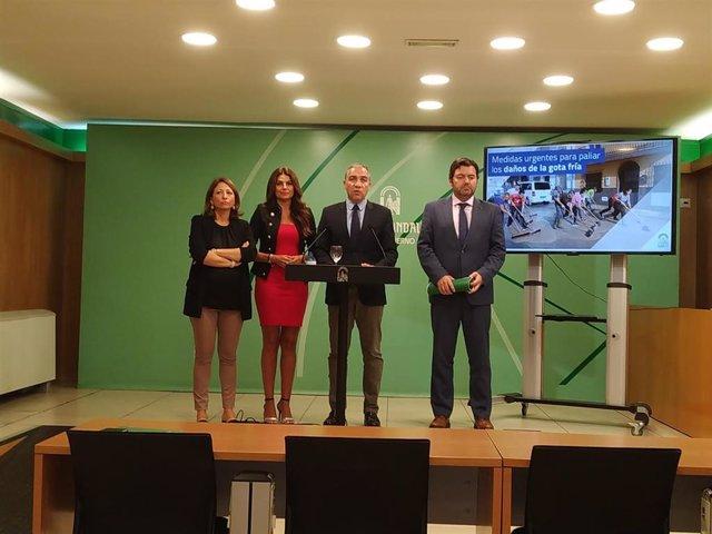 La delegada del Gobierno andaluz en Málaga, Patricia Navarro; la delegada de Turismo y Justicia, Nuria Rodríguez; el consejero de PResidencia y portavoz de la Junta, Elías Bendodo y el director general de Administración Local, Joaquín López Sidro.