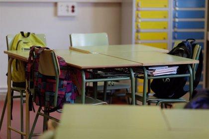 La alcaldesa de Tahal (Almería) pide a la Junta el uso del colegio al haber al menos tres menores