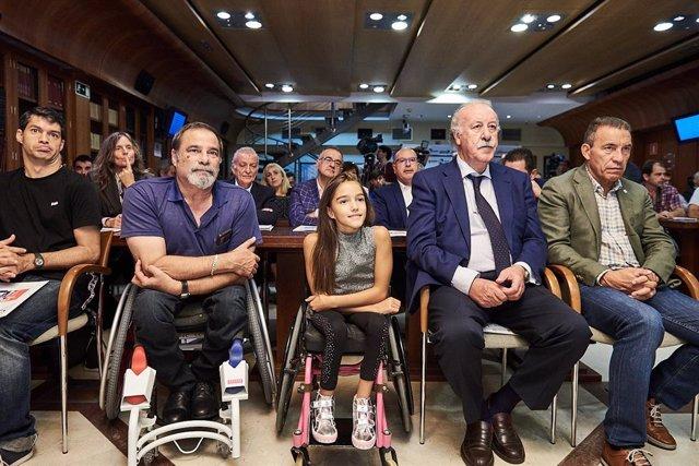 Vicente del Bosque y Paco Buyo apadrinan el proyecto 'Foothand, fútbol para todos'