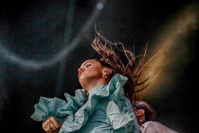 Rosalía actúa en el Mad Cool de Madrid en el IFEMA de Madrid .