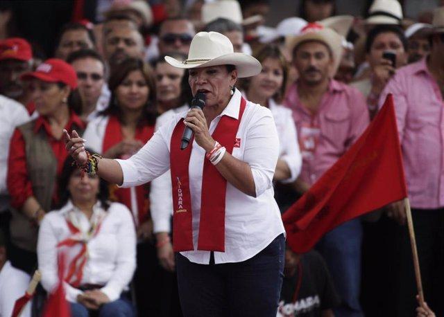 La ex candidata presidencial de LIBRE, Xiomara Castro