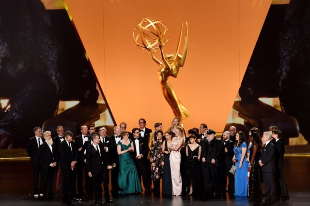 El elenco de 'Juego de Tronos' recoge el premio a la mejor serie de drama en los Emmy 2019