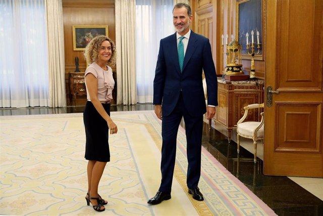 El rey Felipe VI recibe este jueves a la presidenta del Congreso, Meritxell Batet, en el Palacio de la Zarzuela para preparar la ronda de consultas con los partidos políticos con la que saber si hay o no un candidato con apoyos suficientes para la inves