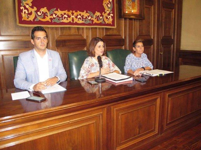 Ramón Fuertes, Emma Buj y Rocío Féliz de Vargas.