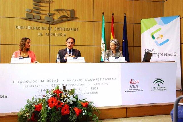 El presidente de la CEA, Javier González de Lara, en la inauguración este lunes del Foro Networking E2e.