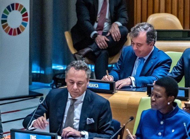 Francisco Botas (Abanca) suscribe el Convenio Colectivo para la Acción Climática de Naciones Unidas
