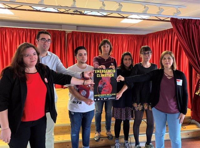 Los jóvenes Félix Muñoz (Fridays for Future) y Raquel Marijuan (Rebelión por el Clima) presentan junto a representantes de otras organizaciones vallisoletanas las acciones que se realizarán en Valladolid en la Huelga Mundial por el Clima.