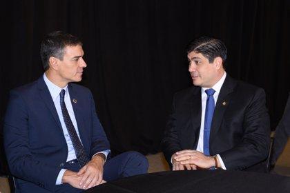 Sánchez analiza la situación de Venezuela y Nicaragua con el presidente de Costa Rica