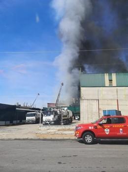 Incendio en una panificadora de Badajoz