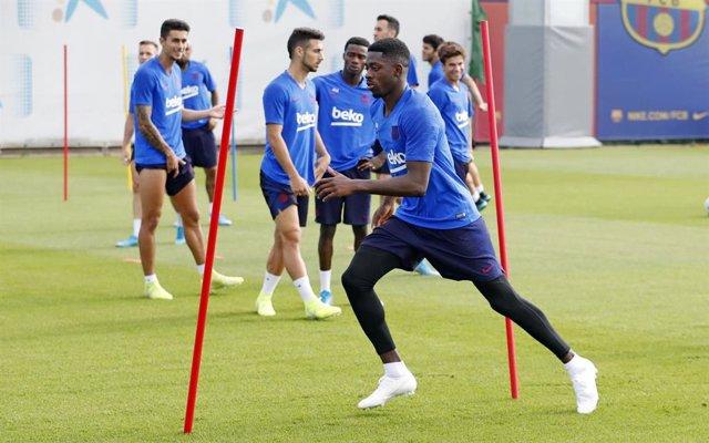 Dembele entrenant amb el Barcelona
