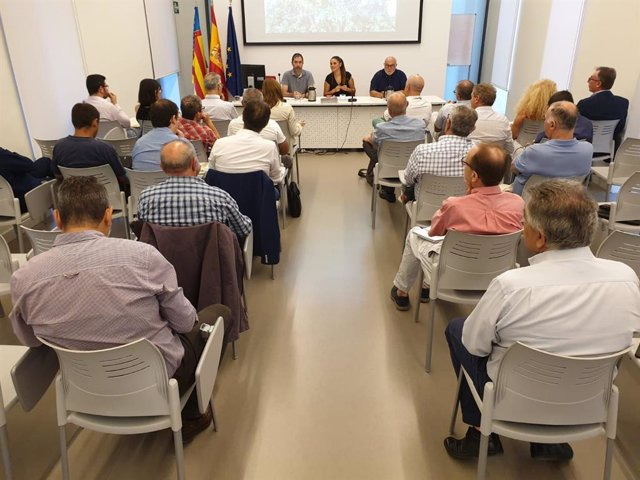 Reunión de la Conselleria de Agricultura con representantes del sector citrícola