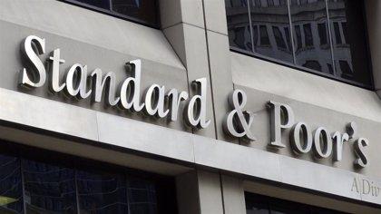 S&P dice que no modificará las calificaciones bancarias a pesar de haber actualizado el rating de España