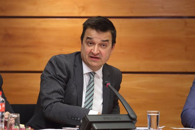 Martínez Arroyo destaca el agua, la nueva PAC, la reforma del PDR y la política