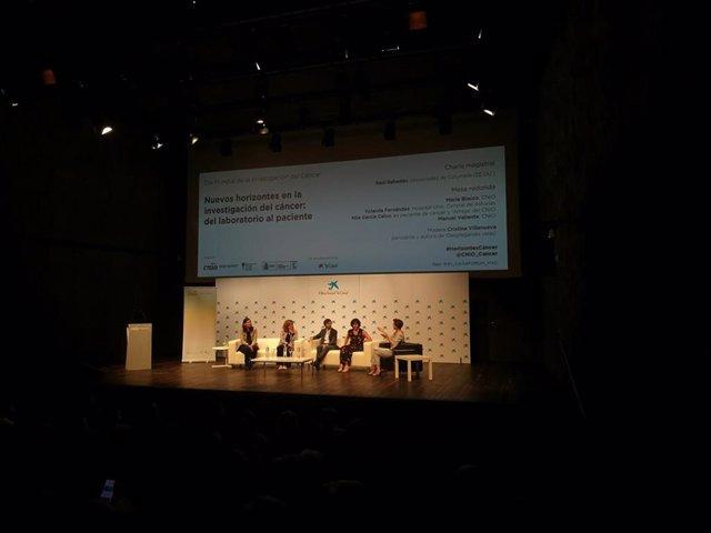 Mesa del CNIO sobre investigación en cáncer. De izq a der: Maria Blasco, Yolanda Fernández, Manuel Valiente y Mila García Calvo