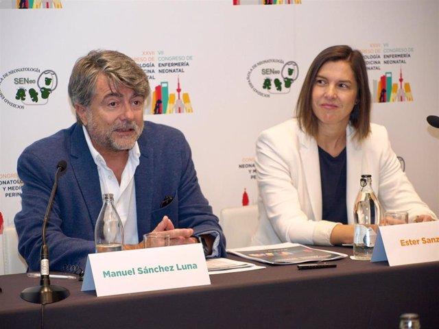 Los neonatólogos Manuel Sánchez Luna y Ester Sanz durante su intervención.