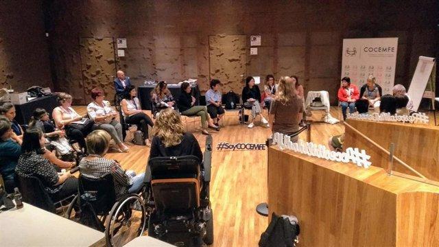 Participantes en los grupos de trabajo de las jornadas 'Derechos de las Mujeres con Discapacidad y Agenda 2030'.