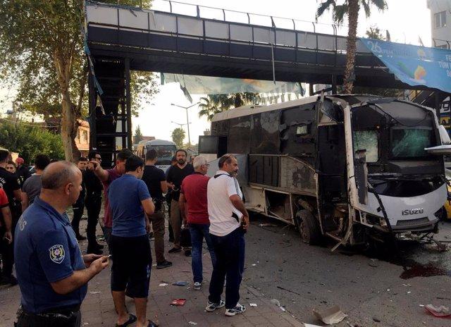 Registrado un atentado con bomba contra un autobús con policías en el sur de Tur