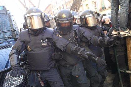 Interior envía varios grupos de 'antidisturbios' a Cataluña y evaluará con los Mossos si incrementa el refuerzo policial