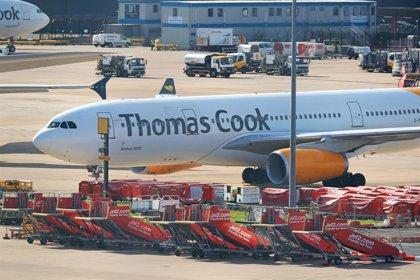 El Cabildo de Gran Canaria costeará el traslado al aeropuerto de un millar de turistas afectados por Thomas Cook