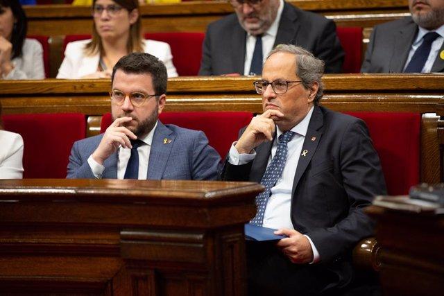 El president de la Generalitat,  Quim Torra (i) i el vicepresident de la Generalitat, Pere Aragonès (d), al debat sobre política general en el Parlament de Catalunya, a Barcelona, a 25 de setembre de 2019.