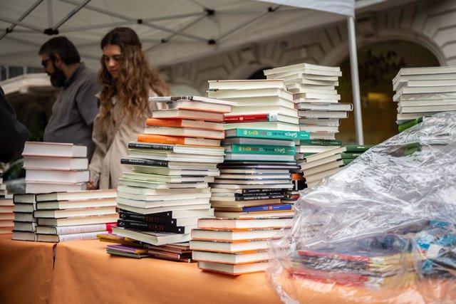 Llibres durant el Dia de Sant Jordi a Barcelona