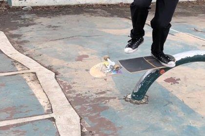 Mark Tomasello, el skater que realiza trucos increíbles con artilugios inusuales de su propia invención