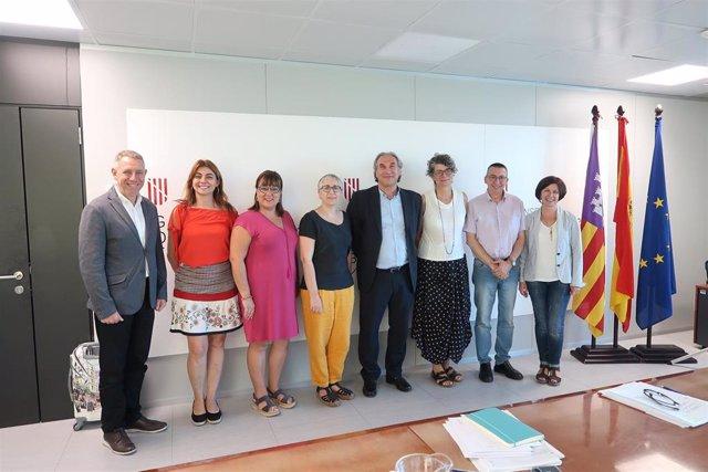 El Govern y los Consells insulars se reúnen para poner en común sus principales líneas de acción en materia de política lingüística y coordinar sus actuaciones