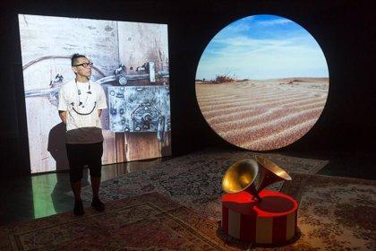 El artista japonés Hiraki Sawa reflexiona en el Museo Universidad de Navarra sobre la construcción de la memoria