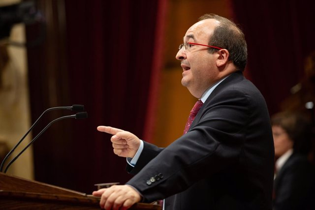 El primer secretari del PSC, Miquel Iceta, durant la seva intervenció en el debat sobre política general al Parlament de Catalunya.