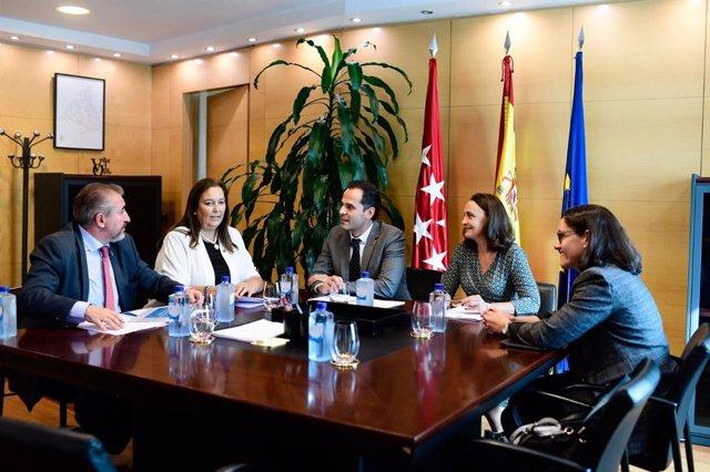 Representantes de la AVT se reúnen con el vicepresidente del Gobierno de la Comunidad de Madrid, Ignacio Aguado