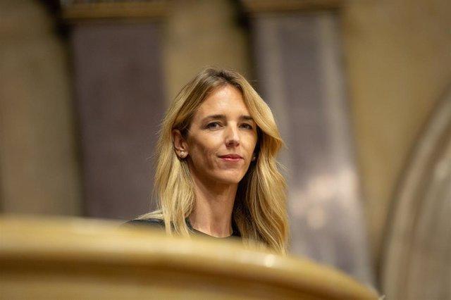 La portaveu del PP al Congrés, Cayetana Álvarez de Toledo, en una de les llotges de l'hemicicle del Parlament de Catalunya durant el debat de política general.
