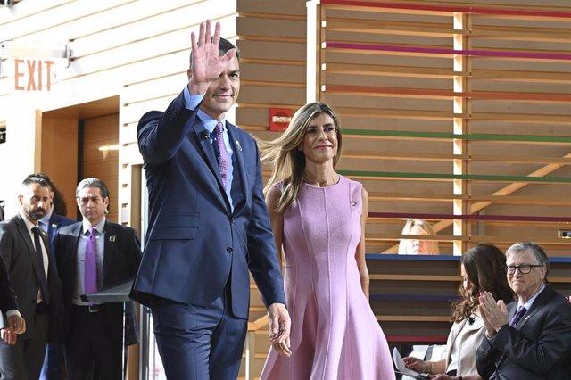 El presidente del Gobierno central en funciones, Pedro Sánchez, y su mujer, Begoña Gómez,en Nova York.