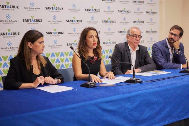 La alcaldesa de Santa Cruz de Tenerife, Patricia Hernández (centro), preside la presentación de la 16 edición del CIIF Market