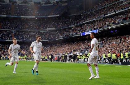 Rodrygo y Vinicius mantienen líder al Real Madrid
