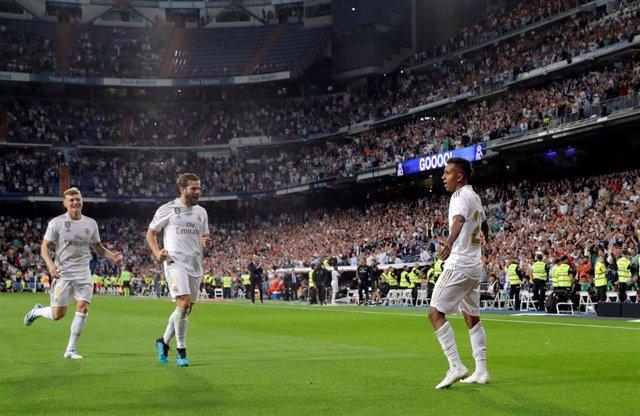 Rodrygo Goes celebra un gol con el Real Madrid.