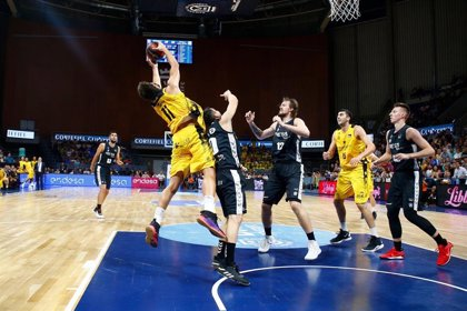 Ferrari funde al Unicaja y el Bilbao Basket vence en La Laguna