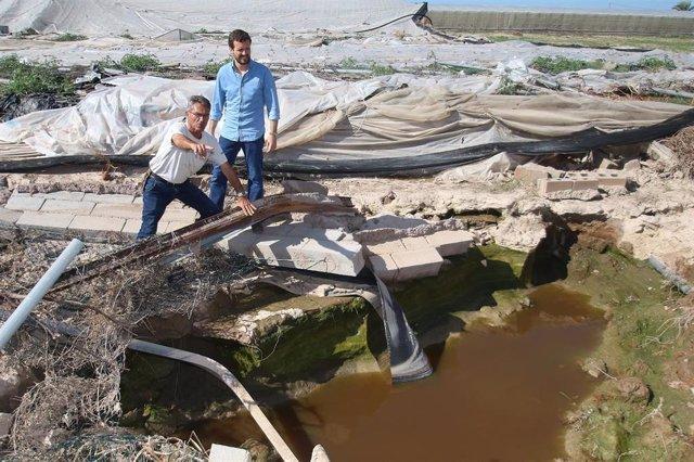 Pablo Casado, durante su visita por zonas de Almería afectadas por la gota fría