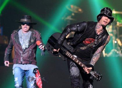 """DJ Ashba recuerda sus años en Guns n' Roses: """"Hubo momentos en los que solo quería ahorcarme en mi habitación de hotel"""""""