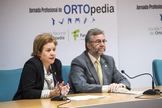 Carmen Mijimolle, Vocal Nacional de Ortopedia del Consejo General de Colegios Oficiales de Farmacéuticos, y Miguel Ángel Valero, director del CEAPAT.