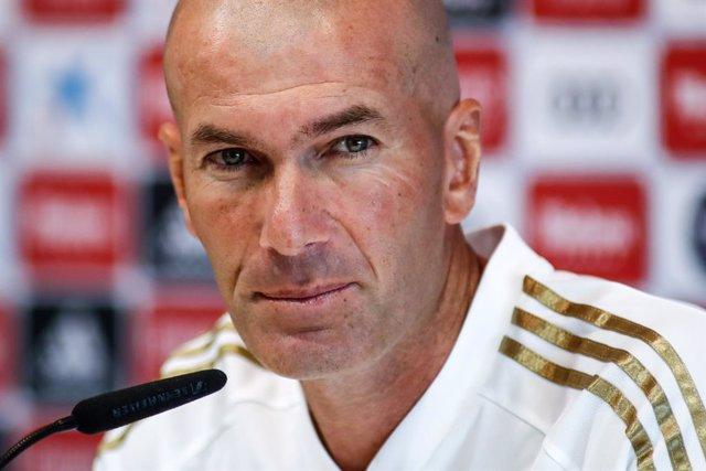 """Fútbol.- Zidane: """"Vamos a tener que meter en el derbi muchas más cosas además de"""