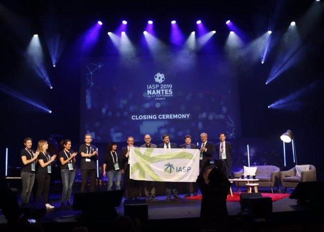 El Parque Científico y Tecnológico Cartuja (PCT Cartuja) recibe en Nantes la bandera de la Asociación de Parques Tecnológicos y Espacios de Innovación (IASP) para la celebración de la 37 edición de su conferencia internacional.