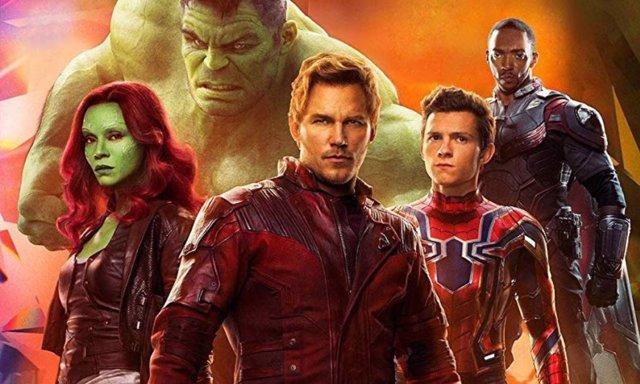 Spidey junto a sus compañeros en los Vengadores