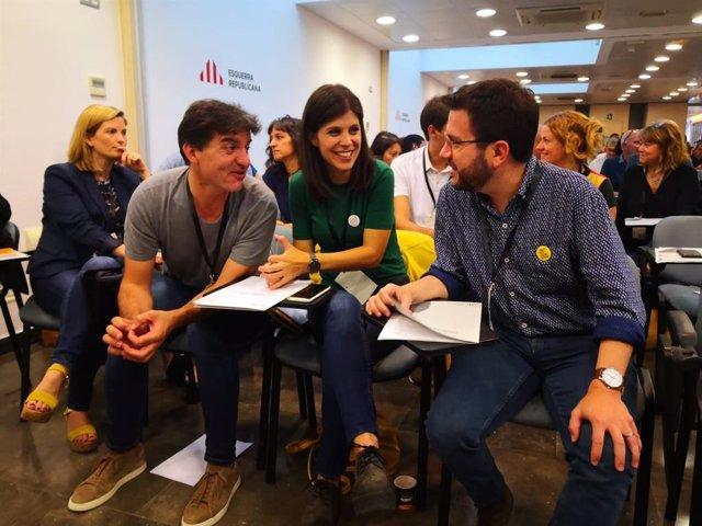 Els dirigents d'ERC Sergi Sabrià, Marta Vilalta i Pere Aragonès.