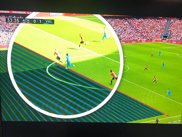 Imagen manipulada por las televisiones en el Athletic-Valencia