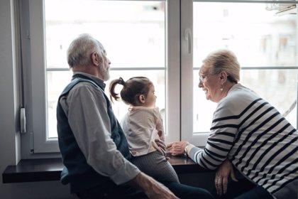 Síndrome del abuelo esclavo, ¿exigimos demasiado a los mayores?